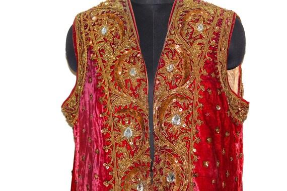 Riche Antique Antique Riche Vintage Pakistan Rajasthani Afghani très très vieux 100 % véritable or polonais EmbroideredWork rouge des années 1950 Prince indien veste en velours 745e6a