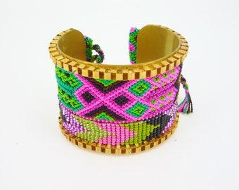 """Bracelet cuff """"Akumal"""" beadwoven bracelet Brazilian on brass"""