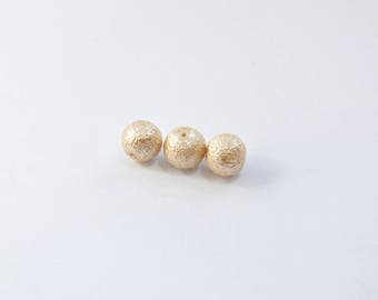 PE104 - Set of 3 Pearl with a grainy beige beads
