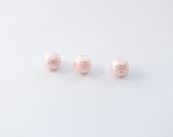 PE103 - Set of 3 light pink beads with a grainy