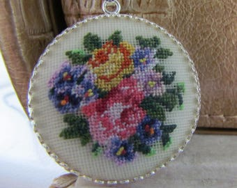 Flowers Pendant. Flower jewelry. Embroidered Pendant. 925 silver plated on brass. Roses pendant. Nature embroidered jewelry. Spring pendant
