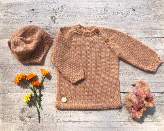 d9ddec51da35 Robe de bébé en tricot bonnet chaussons laine printemps