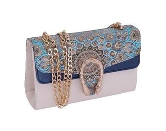 0f8eaf4f79a88 Gucci Look Side Bags
