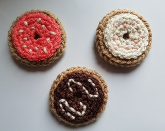Donut magnet - single donut magnet - crochet donut, sprinkle donut, food magnet