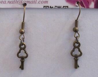 earring type key L5