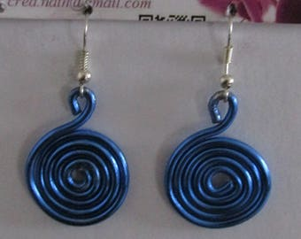 earring type Blue licorice K9
