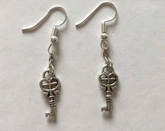 type keys Silver Earring