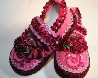 Pink Girl's Shoes - Size 6 (18-24 months)