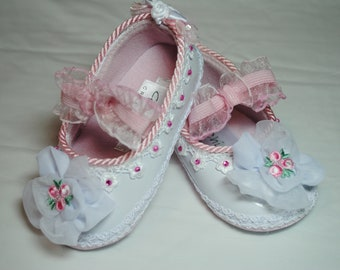 Pink & White Girl's Shoes - Size 4 (9-12 months)