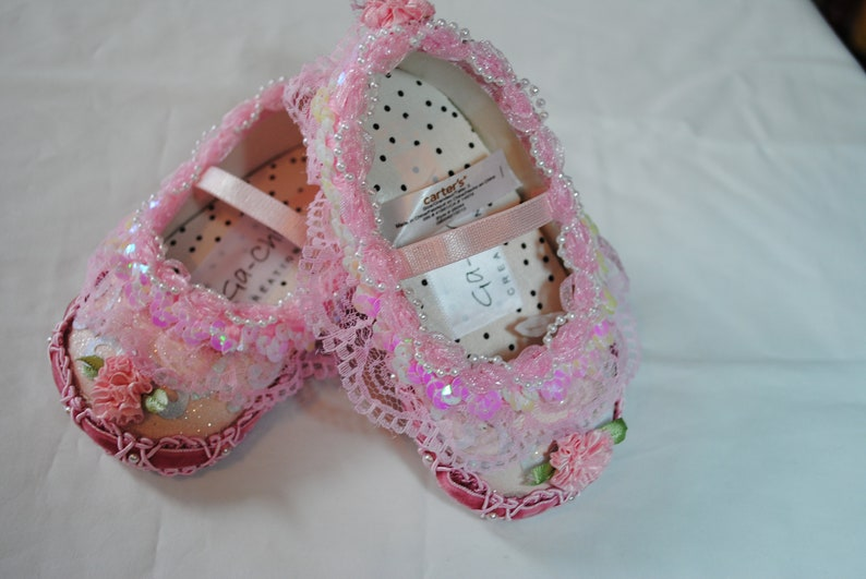 cb5cf15e14568 Pink & White Girl's Shoes - Size 3 (6-9 months)