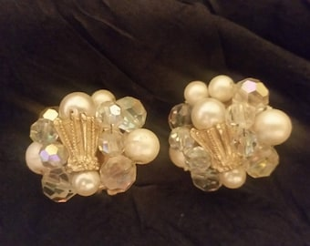 Pearl-tone and iridescent beaded clip earrings