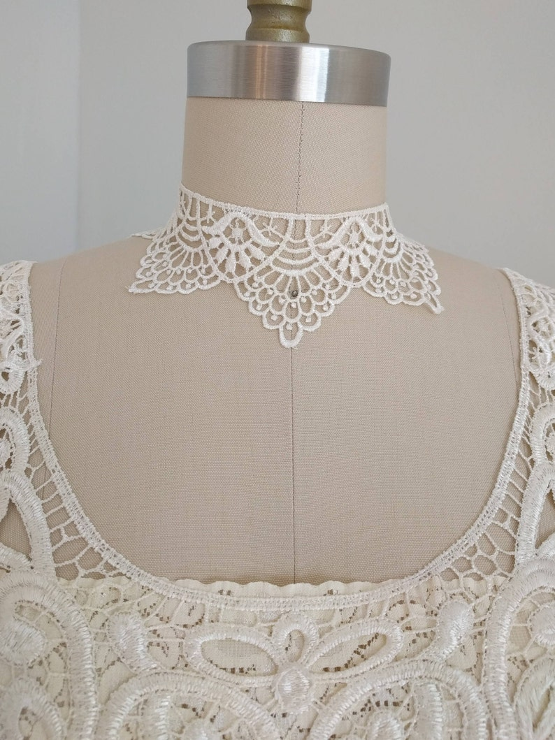 Gothic Bohemian Victorian Necklace Bridal Ivory Venice Lace Choker Baroque Gothic Necklace Romantic Choker