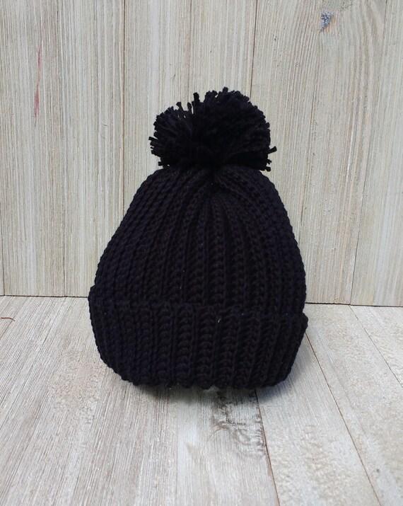 Beanie. Hat. cap. Classic black beanie pom pom. Crochet photo  e7ee4d19895