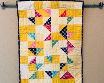 Beautiful Vintage Handquilted Spring Wallhanging