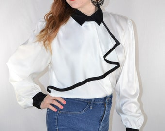 940b7c7cb93d1 Black and White Ruffle Blouse    Button Up