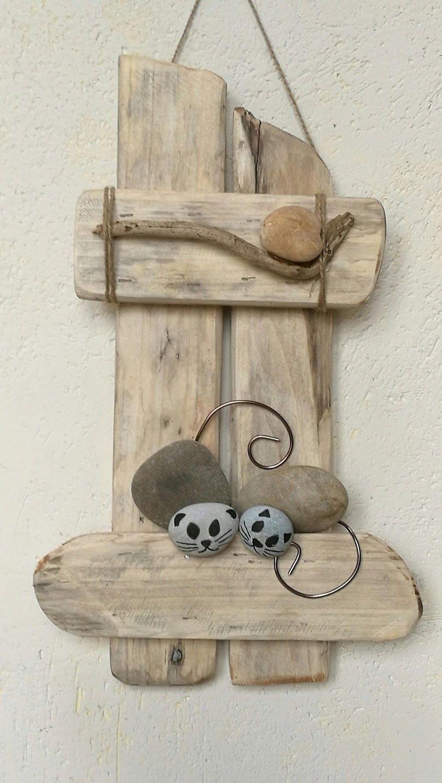 cadre en bois flott avec deux chats en galet et d co bois. Black Bedroom Furniture Sets. Home Design Ideas