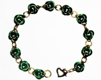 GORGEOUS Green Four-Ring Mobius Rosette Chain Maille Bracelet