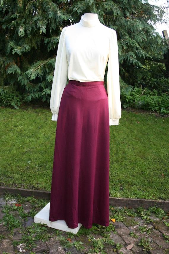 """Vintage 70s maroon maxi skirt, size 12/ 31"""" waist"""