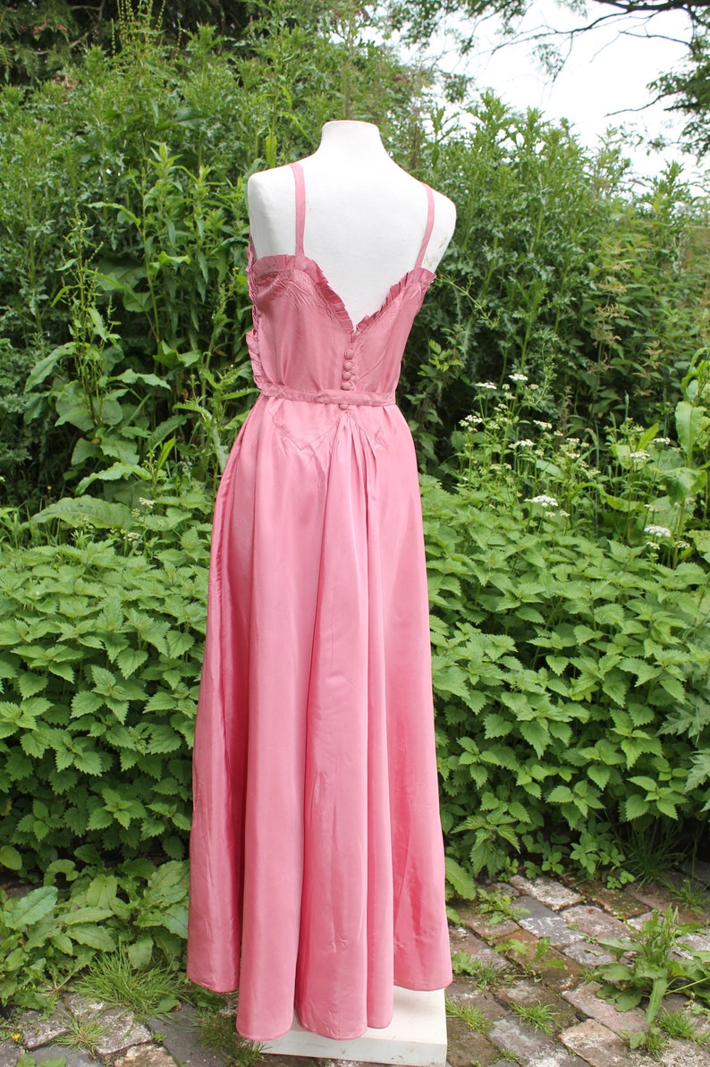 Vintage 30s 50s rose pink taffeta ballgown evening dress low feature back 36 bust full skirt size 10 12