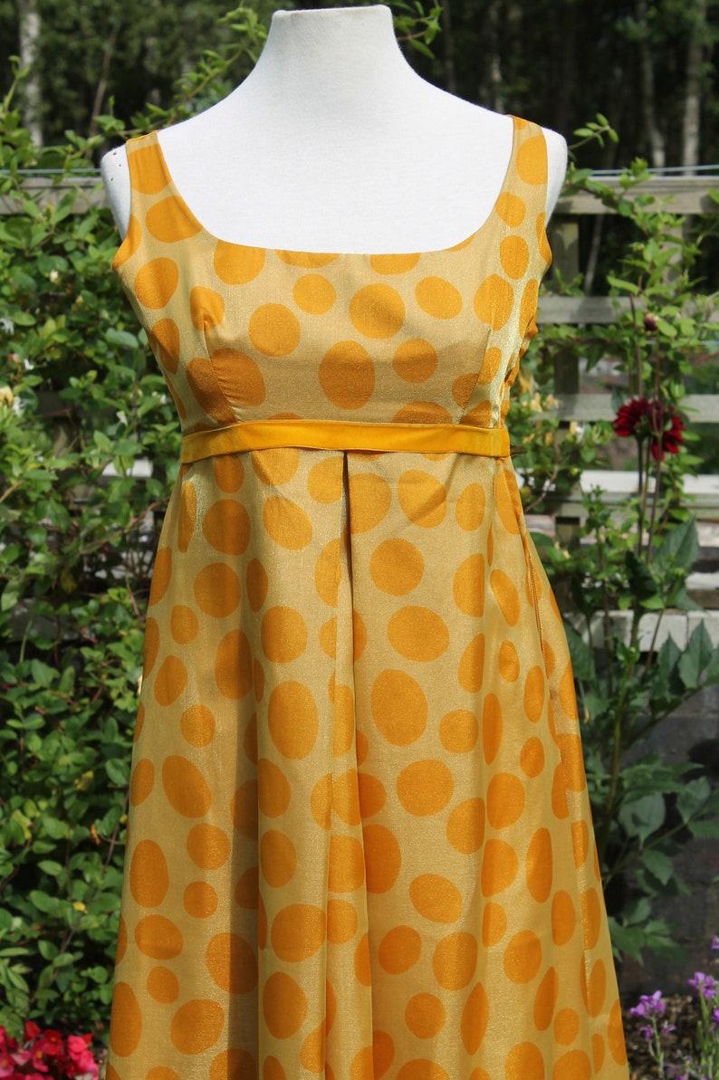 Petite Vintage Maxi-Kleid 70er Jahre gelb / Senf Polkadot ...