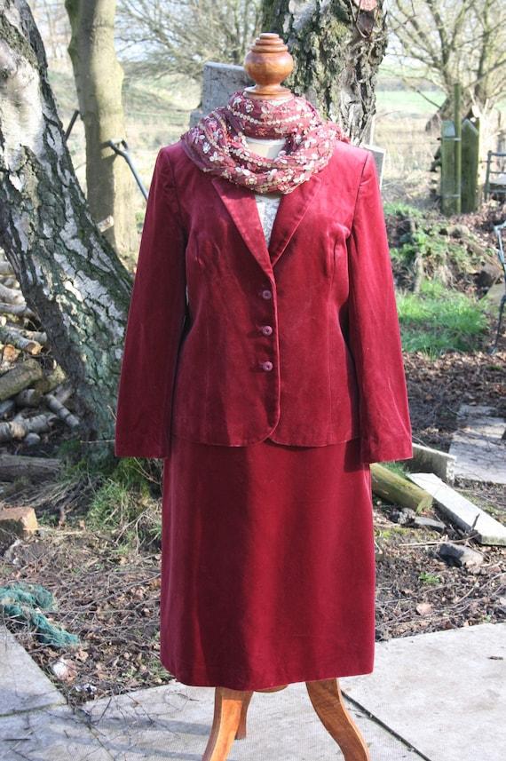 Pink velvet suit size 14/ 16, vintage 70s/ 80s ros