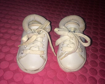 Vintage White Gerber Infant Baby Shoes - Size 3 Months