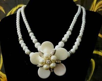Mother of Pearl flower Choker