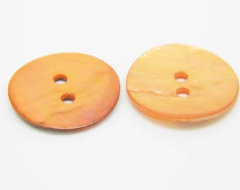 2 x orange mother of Pearl buttons 18mm (l168)
