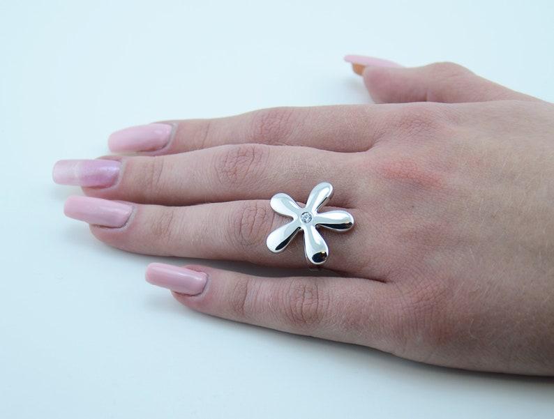 Daisy Silver Ring \u2022 Zircon Flower Ring \u2022 Unique Gift for Girlfriend \u2022 Silver Ring for Her \u2022 Zircon ring \u2022 Best Gift for Mom \u2022 Midi Ring