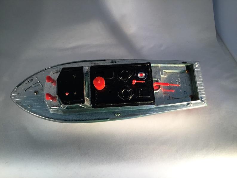 1960/'s Boat by TAT Telsalda No.901 has RAF Stickers on it