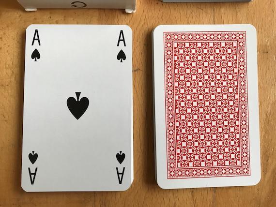 Utilisé en plastique enduits cartes à jouer du pont du roi de carreau