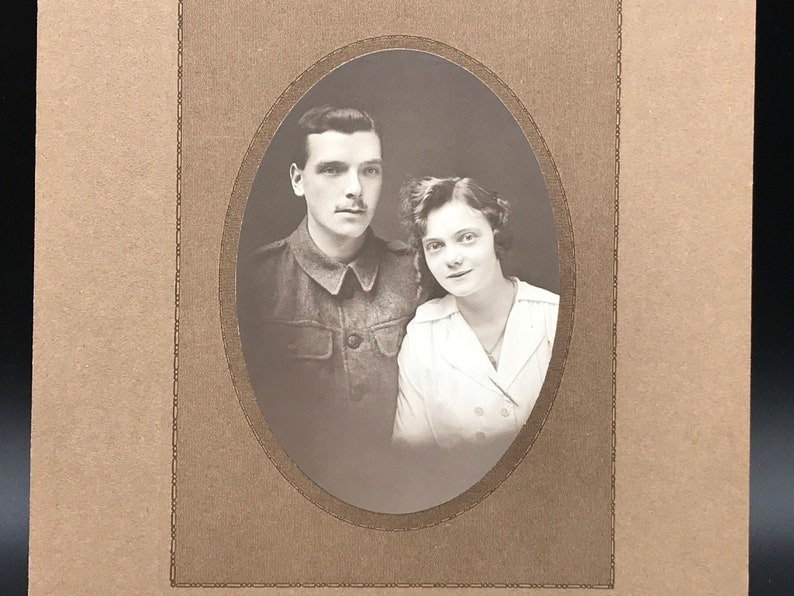 Early 20th Century Portrait Photograph of a Young Couple 28  20.5cm inc the borders
