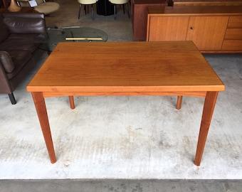 Henning Kjaernulf Danish Teak dinning table 60s Dining Table Mid Century 50's Danish Design Table Chairs palisander vejle stéle