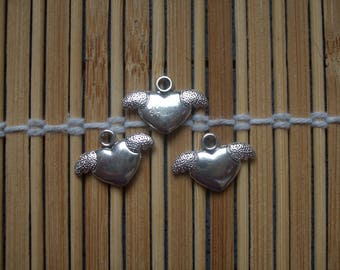 3 winged heart charms