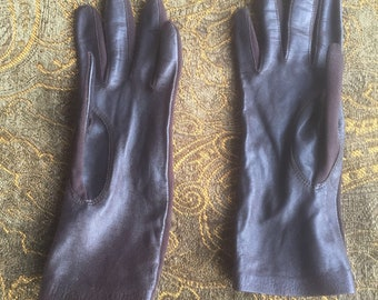 Vintage gloves, driving gloves, leather gloves, brown gloves, ladies gloves, 1960s, 1970s, size small, vintage style,