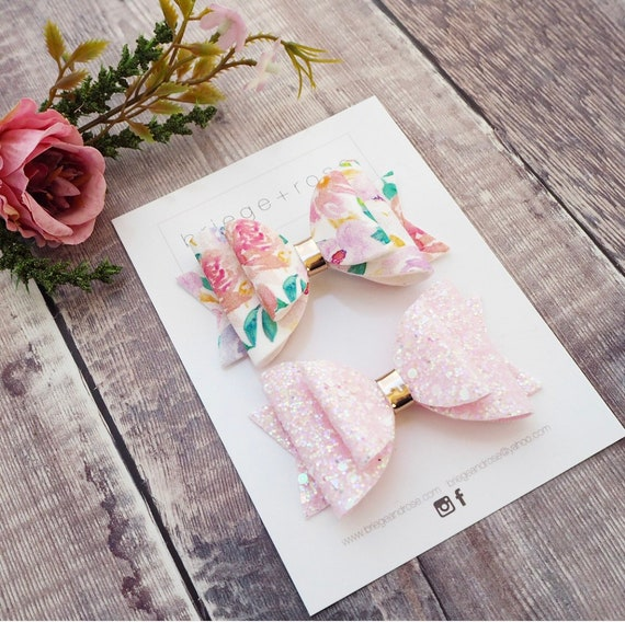 Pale Pink Floral Glitter Set