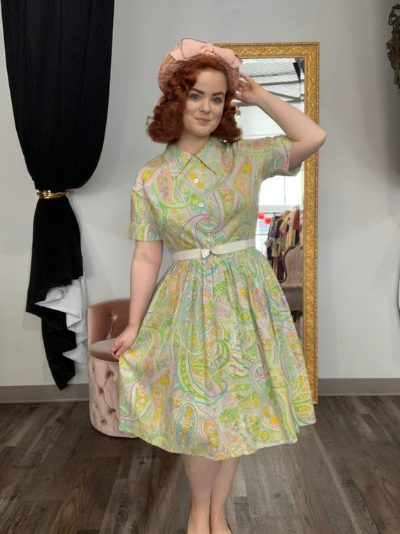 1950s 1960s Pastel Paisley Print Shirtwaist Dress