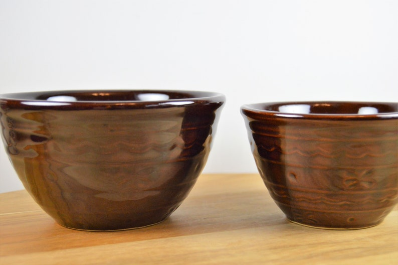 USA Set of 2 Marcrest DAISY DOT Nesting Mixing Bowls Heavy Brown Stoneware Small Sizes 5 6 Round Serving Bowl