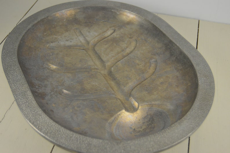 Century Hammered Finish Look Rim Cast Aluminum Mid-Century Meat Serving Platter Silver Seal Metal Craft 13.75 Footed Platter