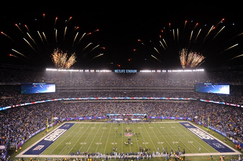 buy popular 8a931 af65a New York Giants Stadium Canvas, wall art canvas, large wall canvas , Ready  to Ship, Wall Decor, Sports, Football