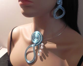 Necklace aluminum wire and beads