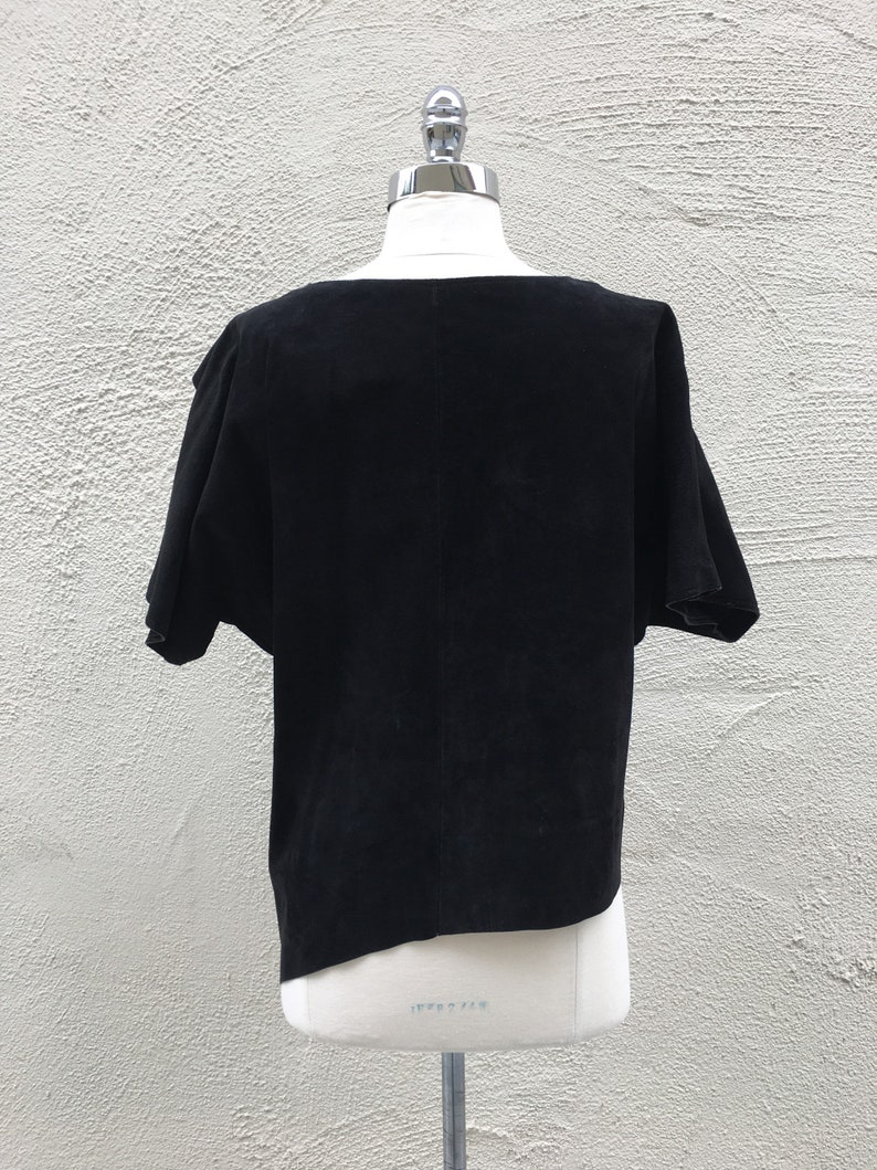 1980/'s VINTAGE black suede shirt leather top wide neck dolman half sleeves loose a-symmetrical silhouette solid black minimalist medium M