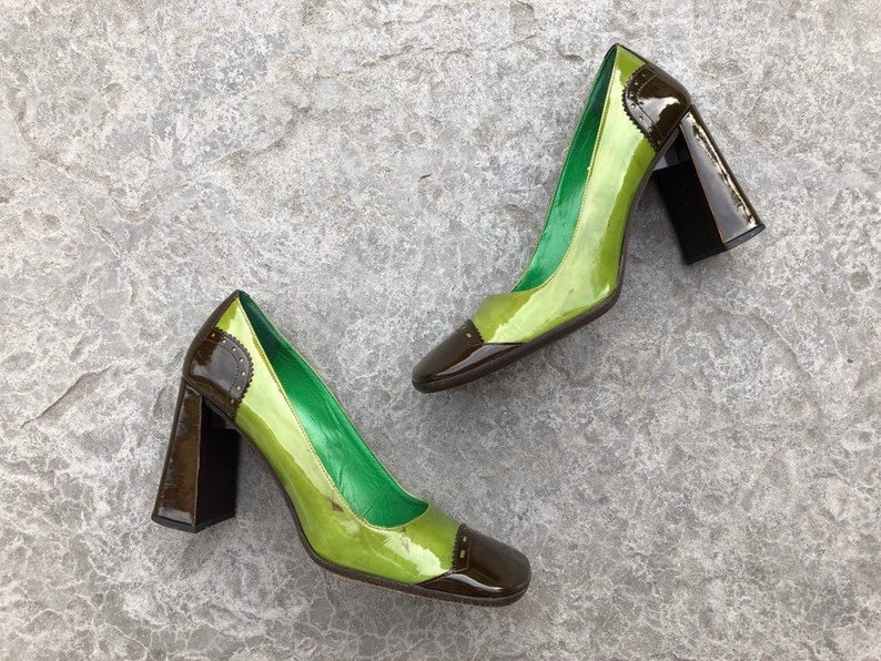 90s VINTAGE PRADA platform pumps green & brown patent leather chunky block heel square toe retro designer shoes Made in Italy 38.5 3.5