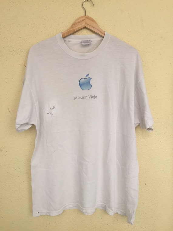 Vintage Apple T shirt/ Apple computech/ macintosh