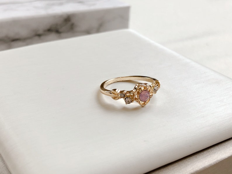 princess style girly gift pink stone ring Gold flower ring floral outfit rose accessory flower pattern