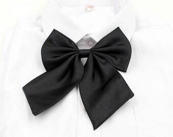 Black unisex bowtie