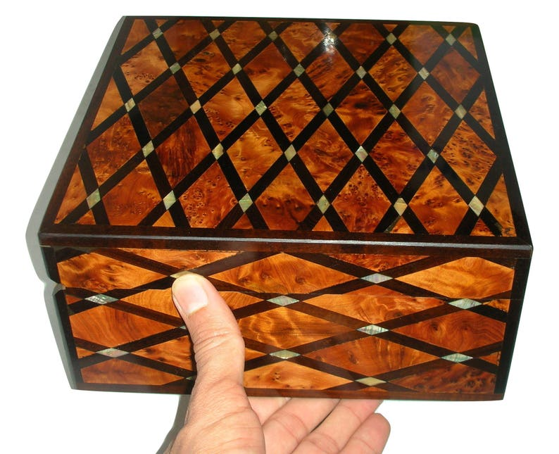 Thuya Wood Jewellery Box Inlaid With Mother Of Pearl Hand-made in Morocco