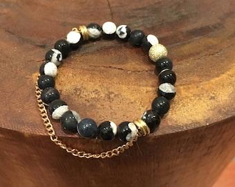 Black and White Agate faceted Beaded bracelet.  Stacked bracelet.
