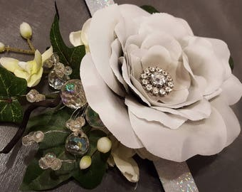 Light grey & white corsage bracelet