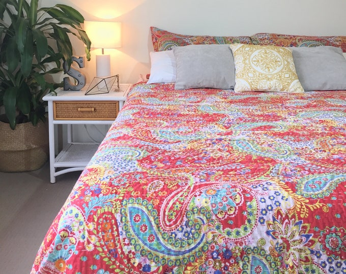 The Paisley • Red • Queen King Size Bedding Set Inc 2 x Pillowcases